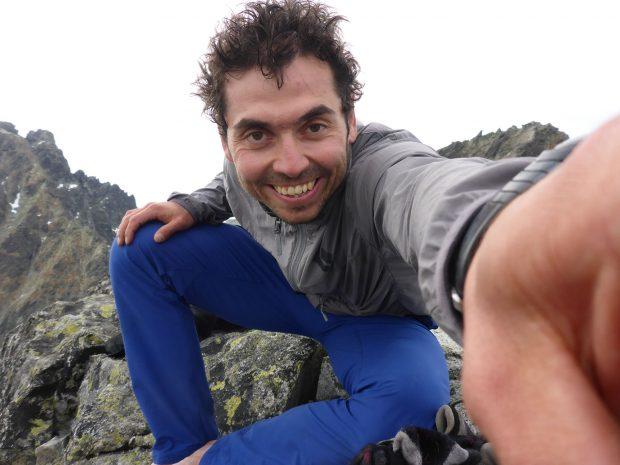 Kacper Tekieli na szczycie Rumanowego po przejściu trzech filarów