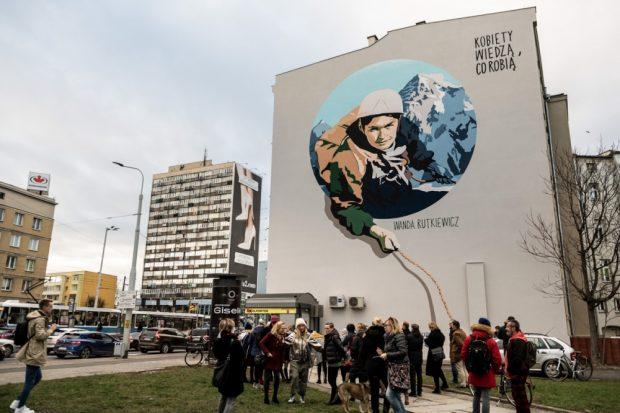 Mural Wandy Rutkiewicz przy Placu Legionów we Wrocławiu (fot. mat. prasowe / P. Osowicz)