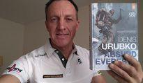 """Denis Urubko z książką """"Absurd Everestu"""""""