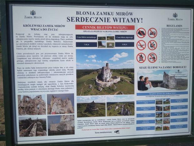 Tablica informacyjna w Mirowie
