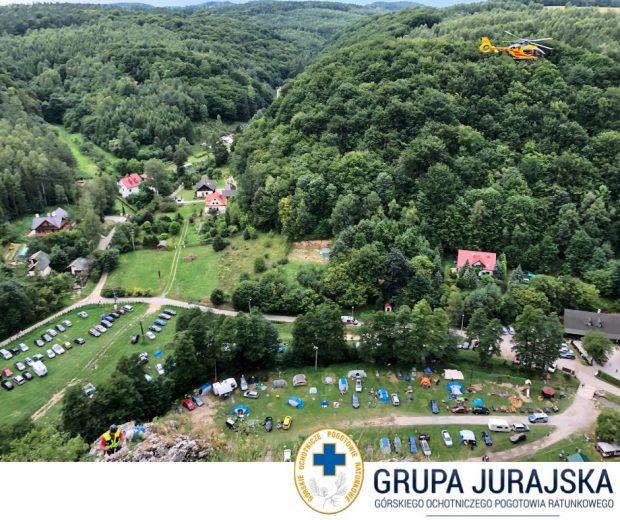 Śmigłowiec LPR nad Doliną Będkowską (fot. Grupa Jurajska GOPR)