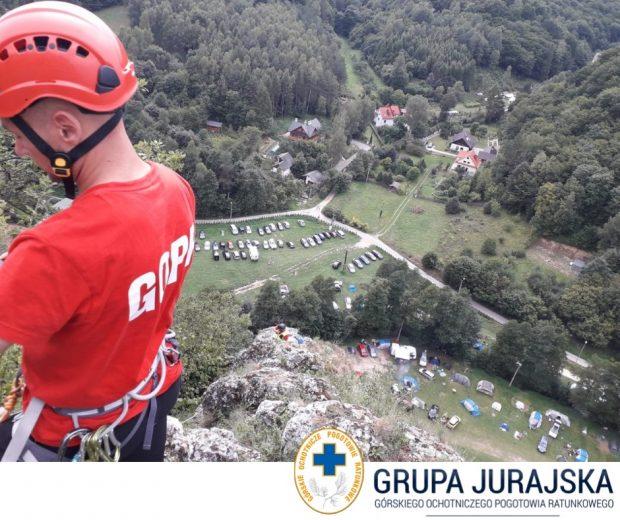 Ratownicy w akcji na Sokolicy (fot. Grupa Jurajska GOPR)