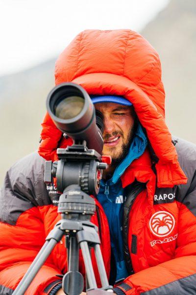 Andrzej Bargiel - w nadziei na otwarcie się drogi na Mount Everest (fot. FB Andrzej Bargiel)