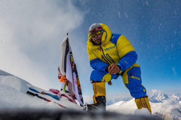 Dani Arnold na szczycie Broad Peak (fot. daniarnold.ch)