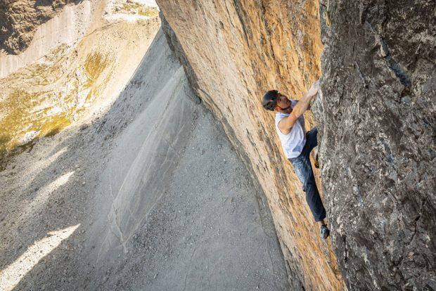 Dani Arnold free solo na północnej ścianie Cima Grande (fot. daniarnold.ch)