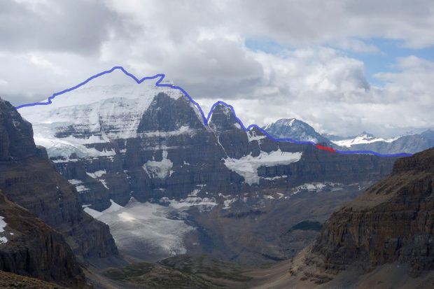 """Peuterey Integral of Choss"", na czerwono fragment grani ominięty łatwym terenem (fot. ianwelsted.blogspot.com)"