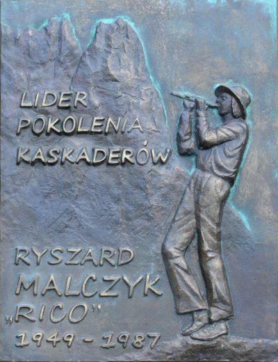 """Tablica Ryszarda """"Rico"""" Malczyka umieszczona na Wiktorówkach (fot. Andrzej Marcisz)"""