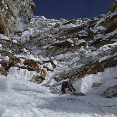 Wspinaczka zachodnią ścianą Tengi Ragi Tau (fot. FB Symon Welfringer)