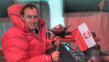 Denis Urubko w bazie pod Broad Peak (fot. FB Denis Urubko)