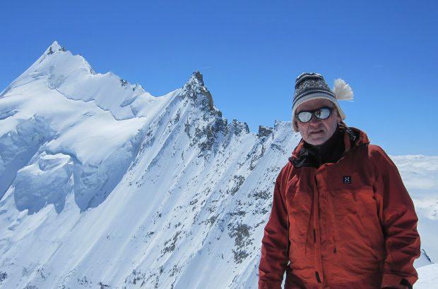 Ireneusz Kołcon podczas przejścia Tour de Ciel, Weisshorn w tle, rok 2013