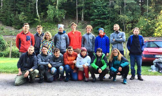 Zadowolona ekipa Grupy Młodzieżowej PZA