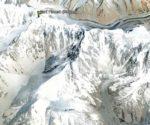 Sani Pakush (6952 m) od południa (źródło Google Earth)