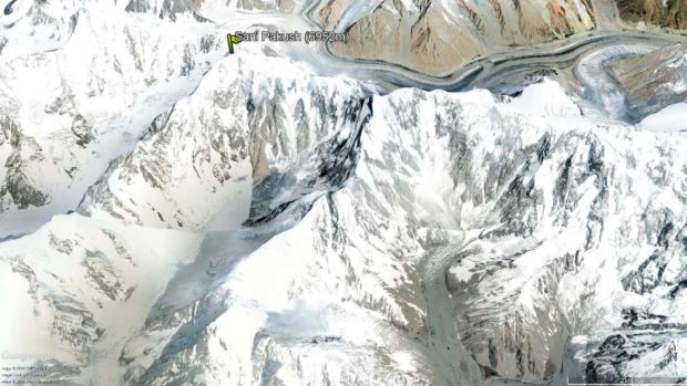 Sani Pakkush (6952 m) od południa (źródło Google Earth)