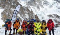 Nirmal 'Nims' Purja wraz z nepalską ekipa pod K2