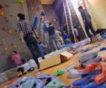 Częściowo odnowiona ściana wspinaczkowa w Szkole Podstawowej nr 8 w Zakopanem (fot. KW Zakopane)