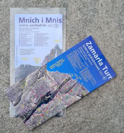 """Fototopo """"Mnich i Zamarła"""" są składane mapowo do formatu 24 x 11,3 cm i umieszczone w mocnej kieszonce foliowej"""