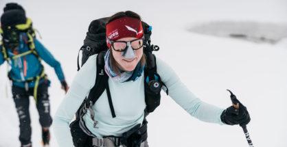 Anna Tybor podczas wyjścia aklimatyzacyjnego (Piotr Drzastwa / Dream Line Manaslu 8163)